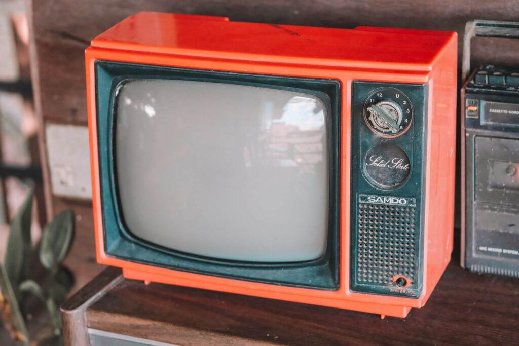 Televisión y radio